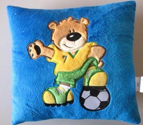 Peter Kissen Fussball, blau, mit aufgesticktem braunem Bär als Fussballspieler, 28 cm