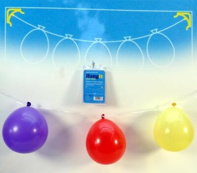 2 Haken mit 5 Ballons und Schnur