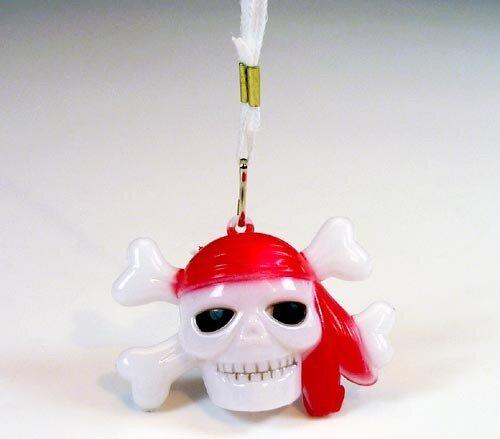 Piraten Totenkopf an Schnur mit Licht, 6 cm