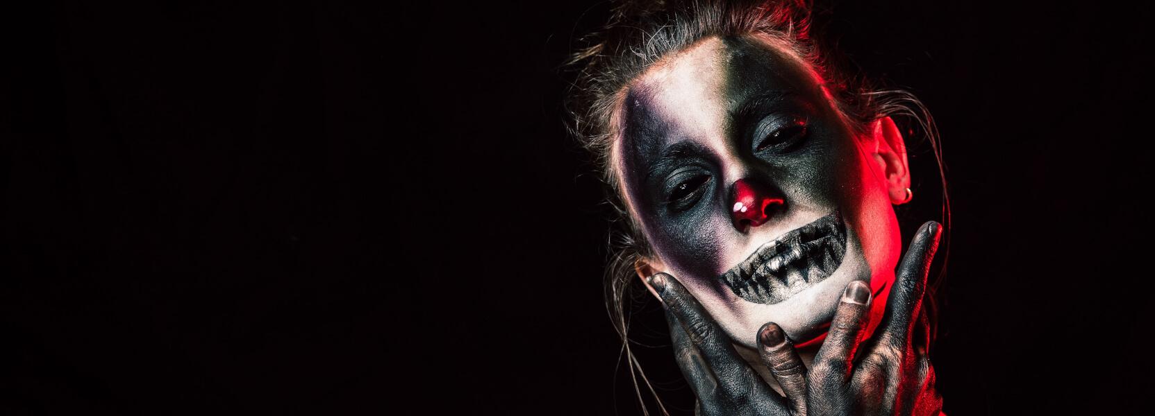 Gruselige Halloween Masken und mehr!